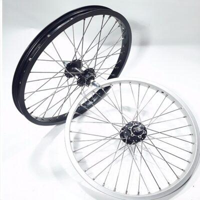 Bakfiets Hjul-20-tum-disk-brake-black-silver